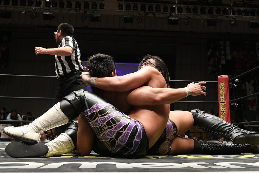 Risultati immagini per Daisuke sasaki vs Tetsuya Endo